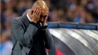 CHÙM ẢNH: Guardiola ôm mặt, cúi đầu. Neuer với tay bất lực