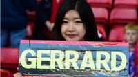 CHÙM ẢNH: Xúc động khoảnh khắc người hâm mộ Liverpool tri ân Steven Gerrard
