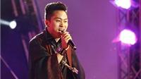 Tùng Dương 'lên đồng' khi hát 'Chiếc khăn piêu' ở Festival Jazz