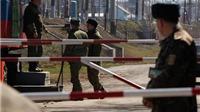 Lính biên phòng Ukraine nổ súng, bắn thủng ngực du khách Nga