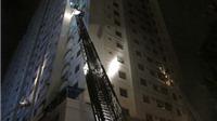 Vụ cháy tại Khu đô thị Xa La: Người dân dùng điện thoại, đèn pin để ra tín hiệu cầu cứu