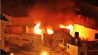 Dân Palestine hò nhau đốt cháy mộ thiêng của người Do Thái