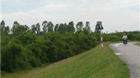 Xuất hiện vết nứt dài 12m trên đê tả sông Hồng