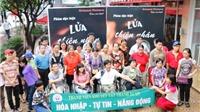 Tặng suất chiếu 'Lửa Thiện Nhân' cho người khuyết tật