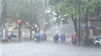Hà Nội chìm trong mưa dông