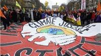 'Thỏa thuận lịch sử' chống biến đổi khí hậu có 'ràng buộc về pháp lý'