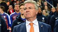 Guus Hiddink dẫn đầu danh sách ứng viên thay thế Mourinho tại Chelsea