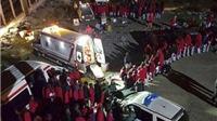 Hàng trăm người châu Phi bơi qua eo biển, vượt rào thép gai vào Tây Ban Nha