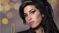 Ra mắt hồi ký của mẹ Amy Winehouse: Amy đáng yêu, Amy 'bão tố'