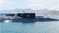 Tàu ngầm lớp Kilo thứ 5 đã có mặt tại vịnh Cam Ranh