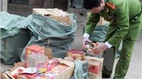 Bắt giữ hơn 200 vụ buôn bán, tàng trữ trái phép các loại pháo