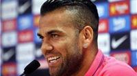 Dani Alves: 'Sẽ thật điên rồ nếu Barca không gia hạn với Neymar'