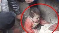 Sau những chết chóc, lại thắt tim với clip cứu bé gái Syria trong đống đổ nát