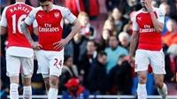 Wenger: 'Quên chức vô địch đi. Arsenal phải chiến đấu để dự Champions League'