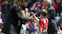 Huyền thoại Paolo Maldini nhận phần thưởng danh dự từ Athletic Bilbao