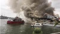 Cháy tàu du lịch tại Quảng Ninh: 37 khách du lịch được đưa lên bờ an toàn