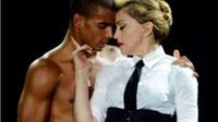 6 ngôi sao nhạc pop đình đám phải lòng bạn nhảy sau khi hợp tác