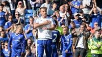 CHÙM ẢNH: Terry xúc động khi được CĐV Chelsea vinh danh