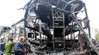 HÌNH ẢNH kinh hoàng vụ tai nạn cháy 2 xe giường nằm, đã có 12 người chết