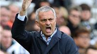 Man United phủ nhận 'đi đêm' với Mourinho sau lưng Van Gaal