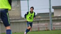 Tuấn Anh ra sân tập tại Nhật Bản, chờ đối đầu Công Phượng