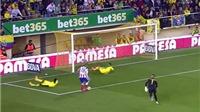 Man United: Tân binh Eric Bailly từng bị Torres biến thành 'trò hề'