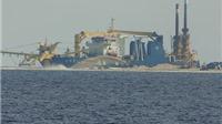 'Quái thú' hút trộm cát xây đảo nhân tạo của Trung Quốc về xưởng duy tu