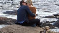 Vừa chia tay bạn trai, Taylor Swift bị bắt gặp 'khóa môi' Tom Hiddleston