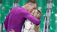 Sao tuyển Anh tình tứ hôn vợ và bạn gái sau trận hòa thất vọng trước Slovakia