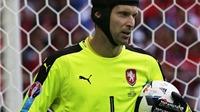 Petr Cech thiết lập kỷ lục buồn tại các VCK EURO