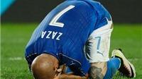 CĐV phong Zaza là 'thánh' sau cú đá 11m hỏng ăn trước Đức