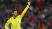 Vì sao Mark Clattenburg được chọn làm trọng tài Chung kết EURO 2016?
