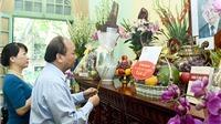 Thủ tướng Nguyễn Xuân Phúc dâng hương tại nhà riêng Tổng Bí thư Lê Duẩn