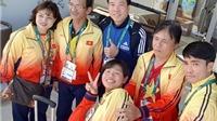 Hoàng Xuân Vinh tranh thủ 'selfie' cùng đoàn TTVN trước khi rời Olympic