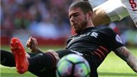 'Quên Top 4 đi, Moreno có thể khiến Liverpool... xuống hạng'