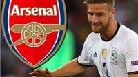 Tiếc tiền, Arsenal vẫn chưa mua được Shkodran Mustafi