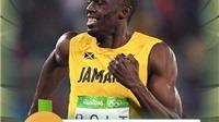 Usain Bolt hôn đường chạy, 'selfie' với CĐV sau khi giành HCV 200m