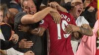 CĐV gãy chân vì ăn mừng bàn thắng của Rashford
