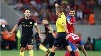 Guardiola lên kế hoạch 'phế truất' bộ ba hậu vệ của Man City