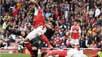 Quả phạt đền 'vô tình' và 3 điểm trọn vẹn của Arsenal