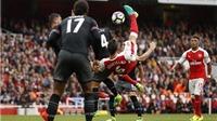 Arsenal 2-1 Southampton: Koscielny lập siêu phẩm, Arsenal thắng trên sân nhà