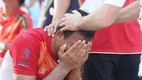Việt Nam bị loại, cầu thủ khóc như mưa