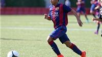 Sao trẻ Barcelona tái hiện 'siêu phẩm' của Bergkamp