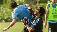 Luis Suarez và Diego Godin 'triệt hạ' nhau trên sân tập của Uruguay