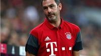 Trợ lý HLV của Bayern Munich 'lác mắt' trước nghệ sĩ tâng bóng đường phố