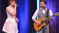 VIDEO: Chí Tài đệm đàn hát 'Anh cứ đi đi' ngọt lịm cùng Hari Won