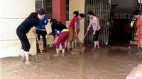 Quảng Bình: Nước rút, giáo viên học sinh hối hả dọn trường