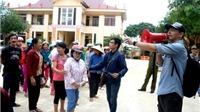 CẬP NHẬT: Phan Anh đã phát những phần quà đầu tiên tới người dân Quảng Bình