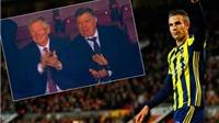ĐẶC BIỆT: Sir Alex và CĐV Man United vỗ tay chúc mừng pha làm bàn của Robin van Persie