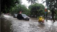 Bắc Bộ tạnh ráo, Trung Bộ mưa lũ
